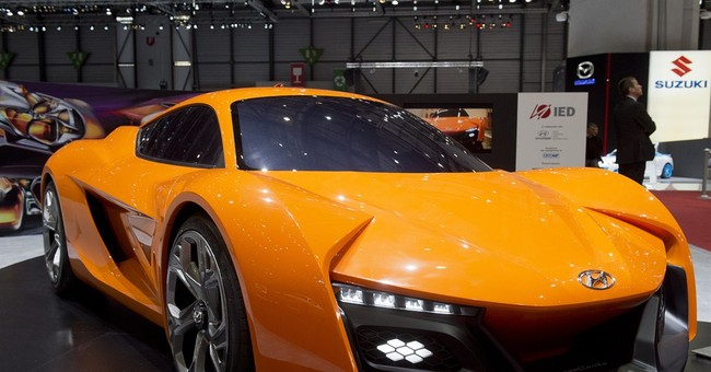 Top 10 carmakers sitting on $221 billion in cash