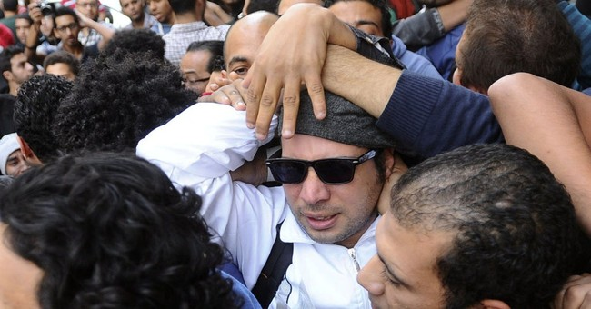 Lawyer: Egypt activists beaten in courthouse