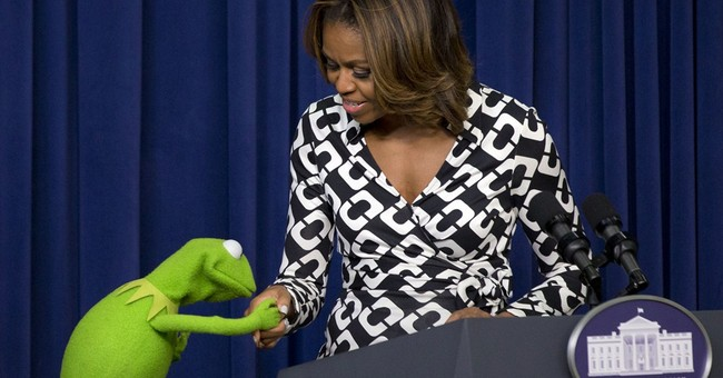 Mrs. Obama praises military children as 'heroes'