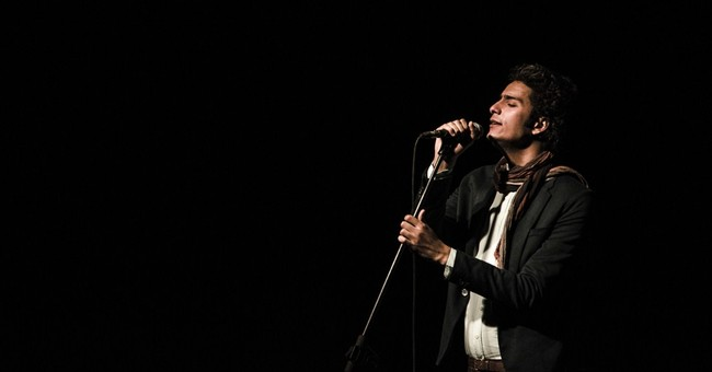 Egypt revolutionary singer stopped from performing