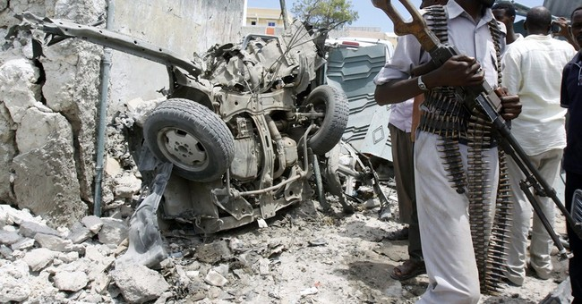 Somali Suicide bomber kills self