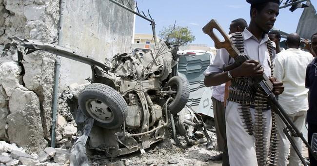 Somali Suicide bomber kills self
