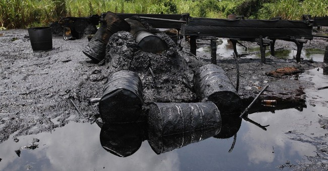 Nigeria Navy destroys 260 illegal oil refineries