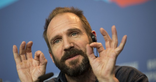 Ralph Fiennes to return to UK's National Theatre