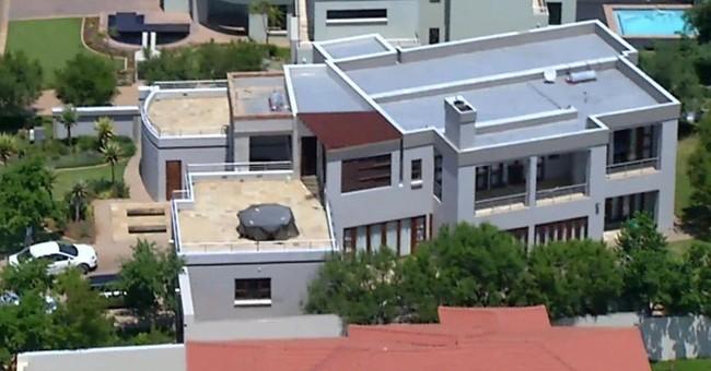 Pistorius selling house where he shot Steenkamp