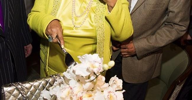 Aretha Franklin celebrates birthday with Denzel