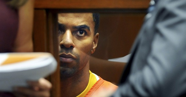Judge refuses to release Darren Sharper from jail