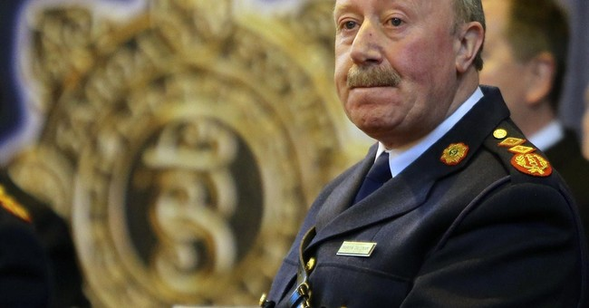 Ireland's police chief resigns in phone-tap row