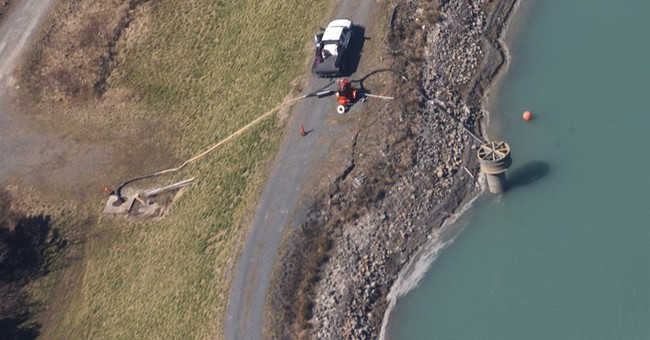 Duke shareholders want probe of coal ash spill
