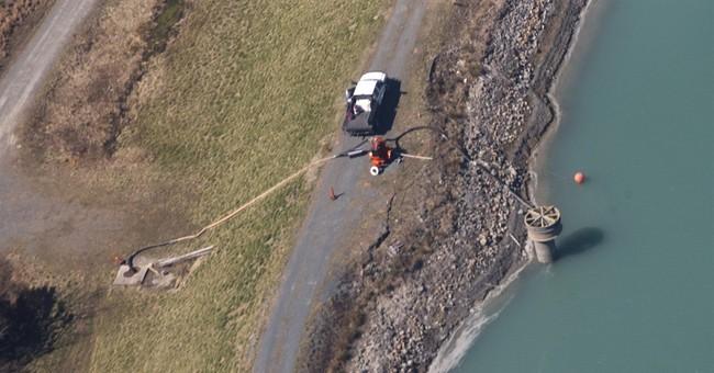 Duke shareholders want probe of coal ash spill