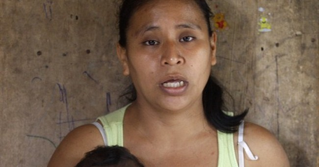 Activists: Mexican women giving birth in street