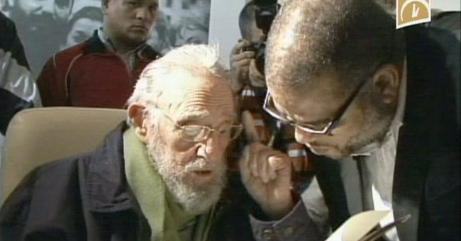 Fidel Castro has 1st public appearance in 9 months