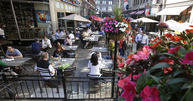 California Judge Blasts LA's Ban on Outdoor Dining in Preliminary Injunction