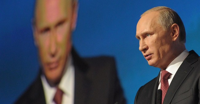 "Putin's Soviet Style Kremlin is Too Much for ""JV"" Team Obama"