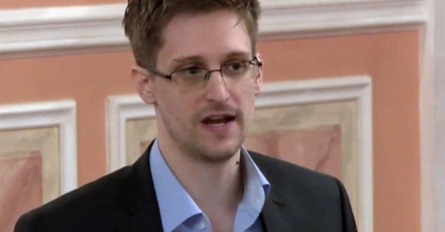 Edward Snowden Confused by FBI's Hillary Announcement