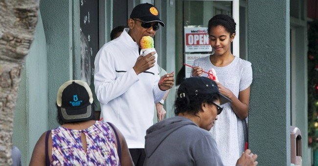 Obama kicks off 2015 with snorkeling, shave ice