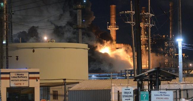 Explosion, fire shake Ohio refinery; police say nobody hurt
