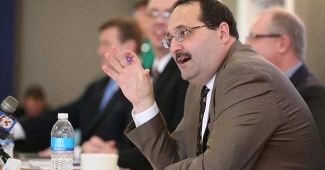 Iowa Republicans vote to continue straw poll