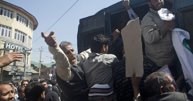 Kashmiris clash with Indian police over settlement of Hindus