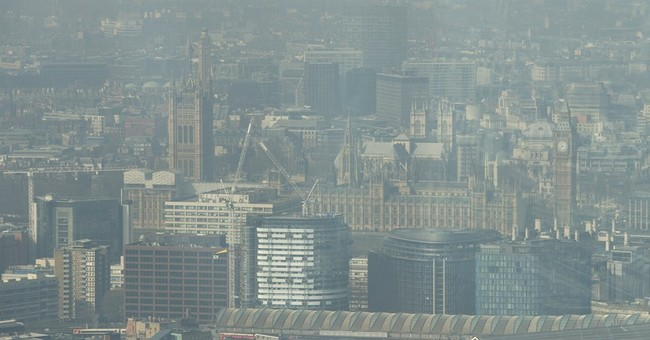 Dirty air, Sahara dust blankets parts of Britain in smog