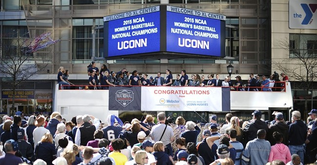 Fans celebrate UConn's 10th title with parade