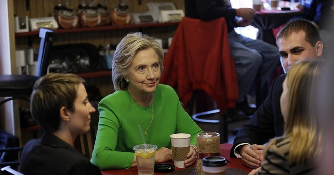 In Iowa, Clinton lays out tenets of 2016 campaign