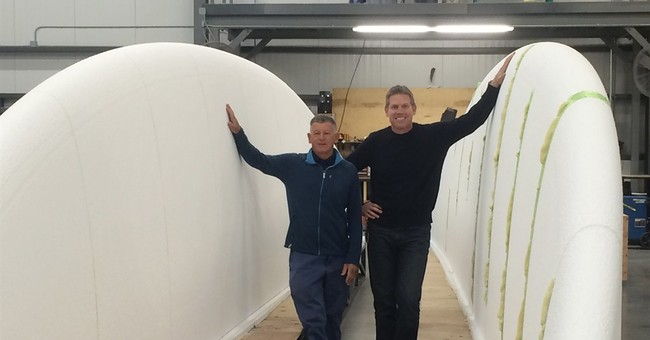 Manufacturing firm seeks to build world's largest surfboard