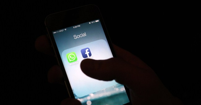 Pew Research Center: Teens still use Facebook