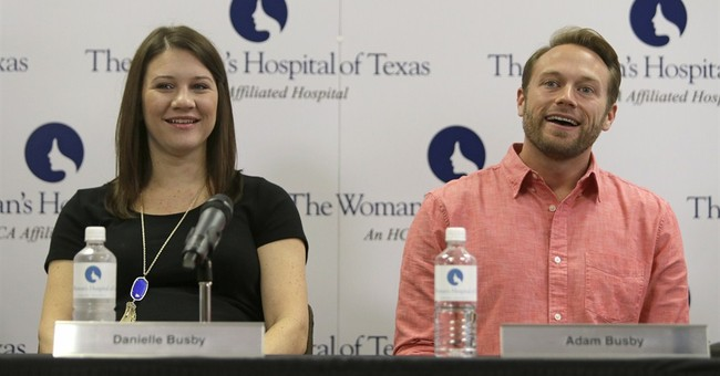 Houston hospital says woman has given birth to 5 girls