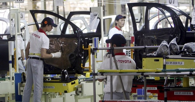 Toyota building plants in Mexico, China; seeks growth again