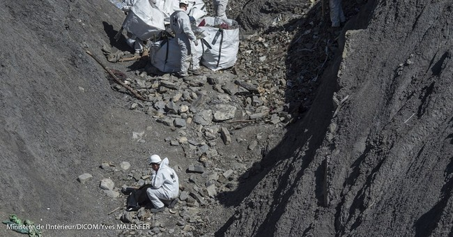 Workers clear 80 percent of debris from Germanwings crash