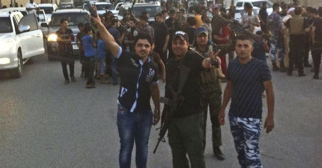 Thousands flee as IS group advances on Iraq's Ramadi