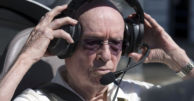 California man, 95, sets world record as oldest active pilot