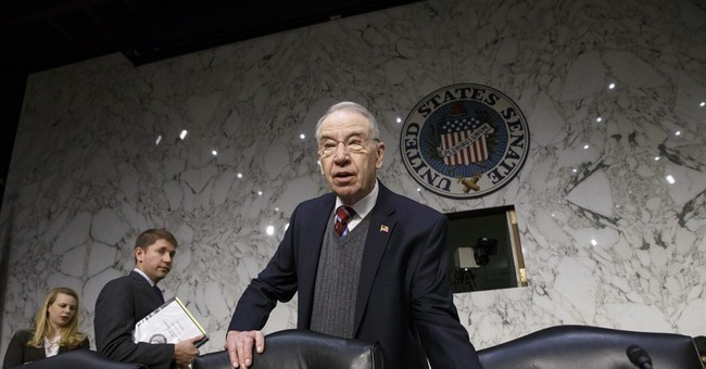 White House calls Grassley comments on Lynch 'duplicitous'
