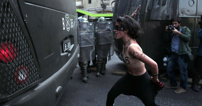 Chile students protest corruption, demand education reform