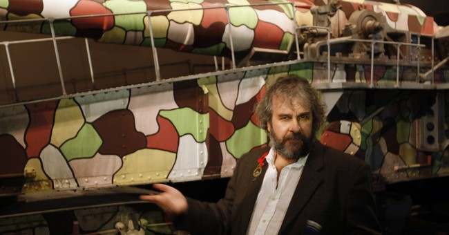 Director Peter Jackson unveils WWI exhibition in New Zealand