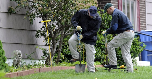 Prosecutor: Reputed mobster discussed stolen Boston artwork