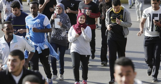 Egypt runners defy Cairo mayhem as sport's popularity grows