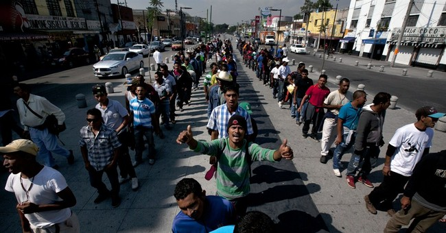 Migrants' protest convoy reaches Mexico City with complaints