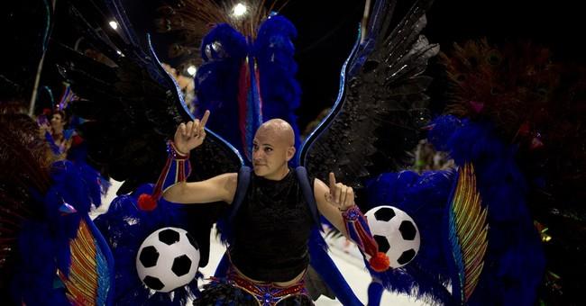 AP PHOTOS: Argentina samba school pays tribute to pope