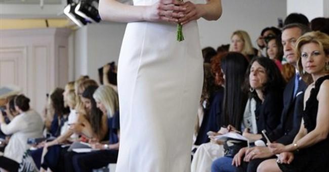 De la Renta unveils first bridal line since designer's death