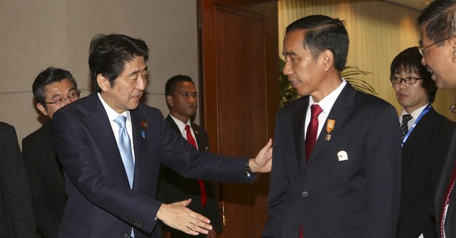 Japanese leader doesn't offer customary apology for WWII