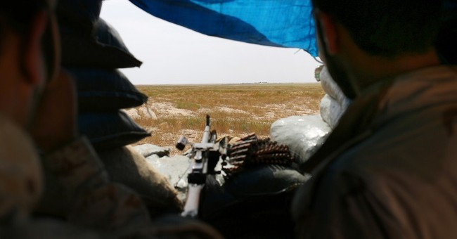 Iraqi tribesmen fight their own after breaking with IS group