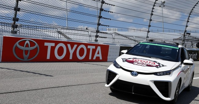 Toyota to provide 1st hydrogen-fueled pace car