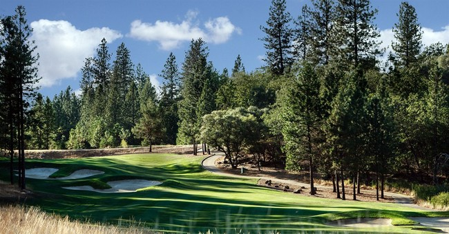 Country clubs use myriad of ways to survive slow economy
