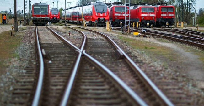 German train drivers on strike for second day