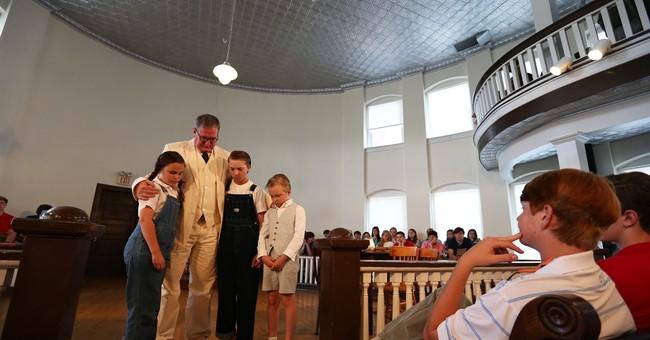 Group seeks rights to 'Mockingbird' play in Lee's hometown