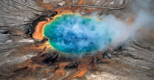 Huge magma chamber spied under Yellowstone supervolcano