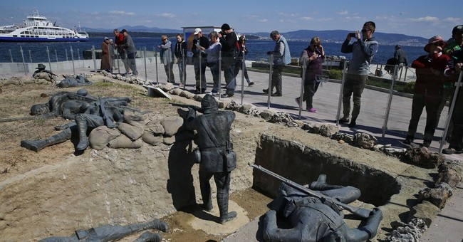 Families stream to battlefields for 100th year of Gallipoli