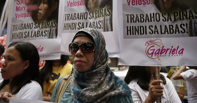 Indonesia moves Filipino inmate to island before executions